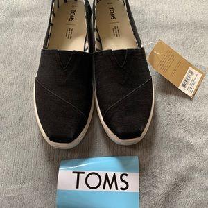NWT Toms original shoe